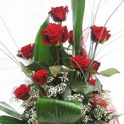 Ваза с 9 червени рози