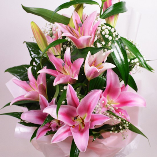 Bouquet with 3 pink liliums